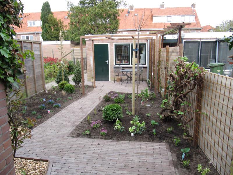 Voorbeeldtuinen in apeldoorn deventer raalte en zwolle for Eenvoudige tuinontwerpen